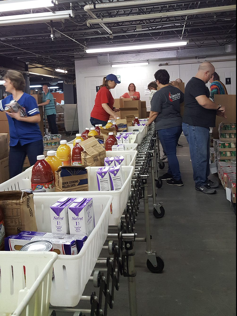 Mossberg Volunteers at Food Bank of Northern Indiana